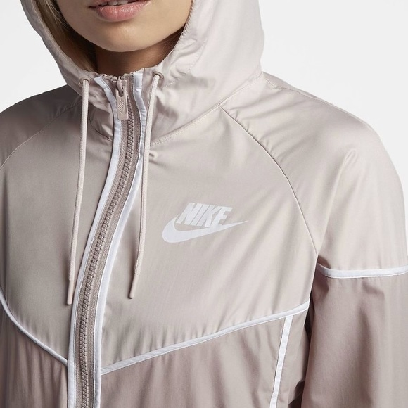 27c1bfdbc31f Brand New - Nike Windrunner Windbreaker